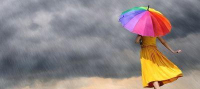 rainbow-umbrella-in-the-rain-inverse
